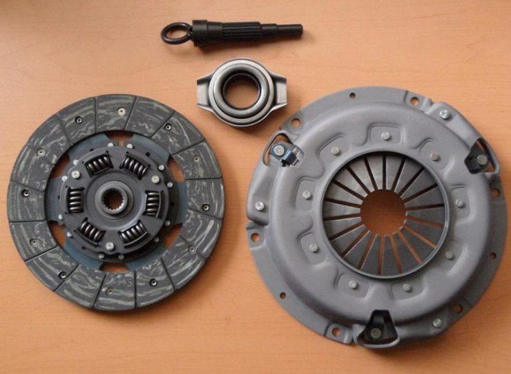 Комплект сцепления Nissan Almera 1.8