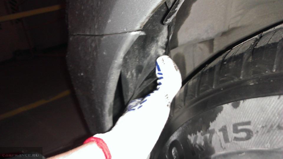 Демонтаж креплений переднего бампера Тойота Королла