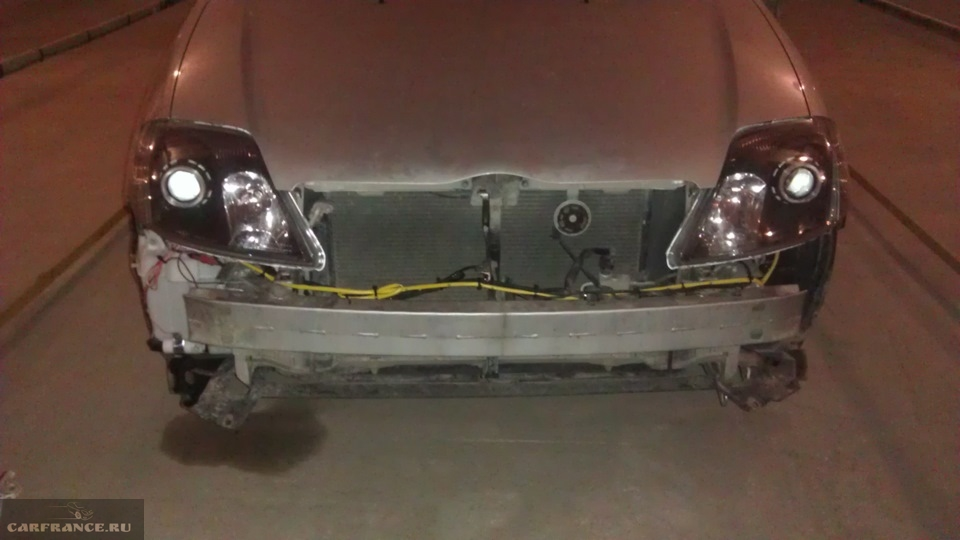 Тойота Королла без переднего бампера