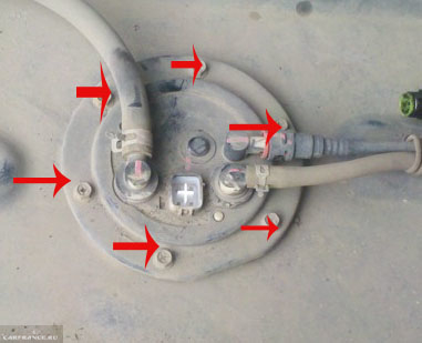 6 болтов крепления топливного модуля на Шевроле Круз к бензобаку