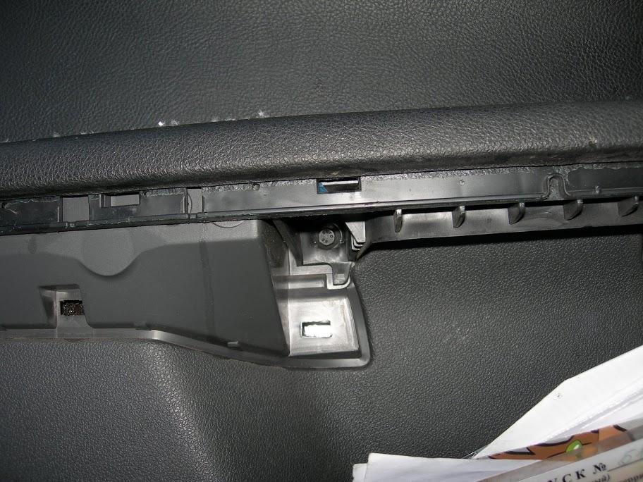 Замена передних тормозных колодок Форд Фокус 2 в домашних условиях