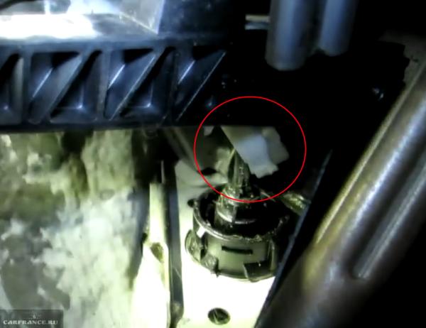 Рассоединение педали и штока главного цилиндра сцепления форд фокус 2