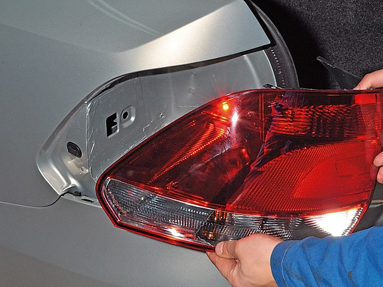 Фольксваген поло замена лампы стоп сигнала