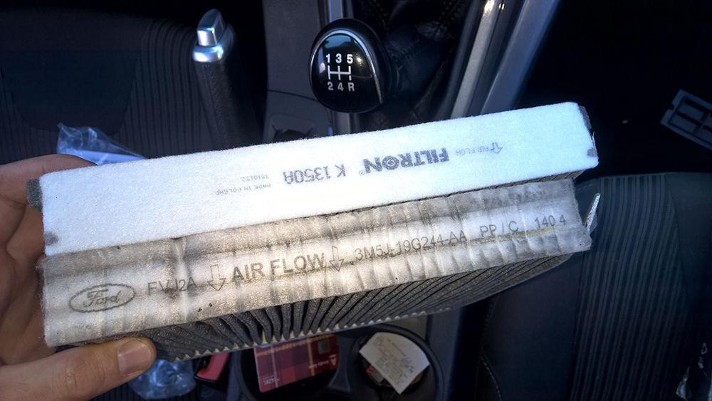 Угольный салонный фильтр Ford Focus 2
