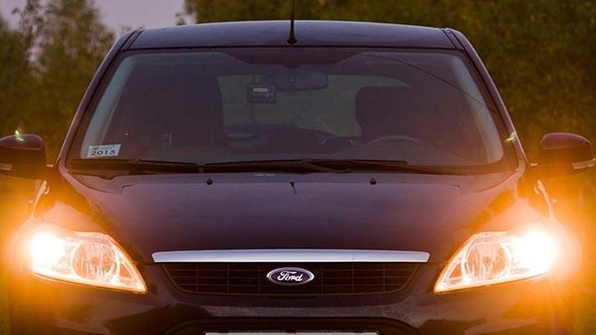 Включенный свет Форд