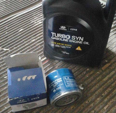Моторное масло Hyundai Turbo SYN и масляный фильтр на Хендай Солярис