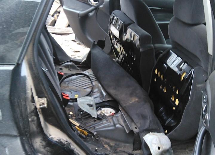 Салон Форд Фокус 2 без напольного покрытия