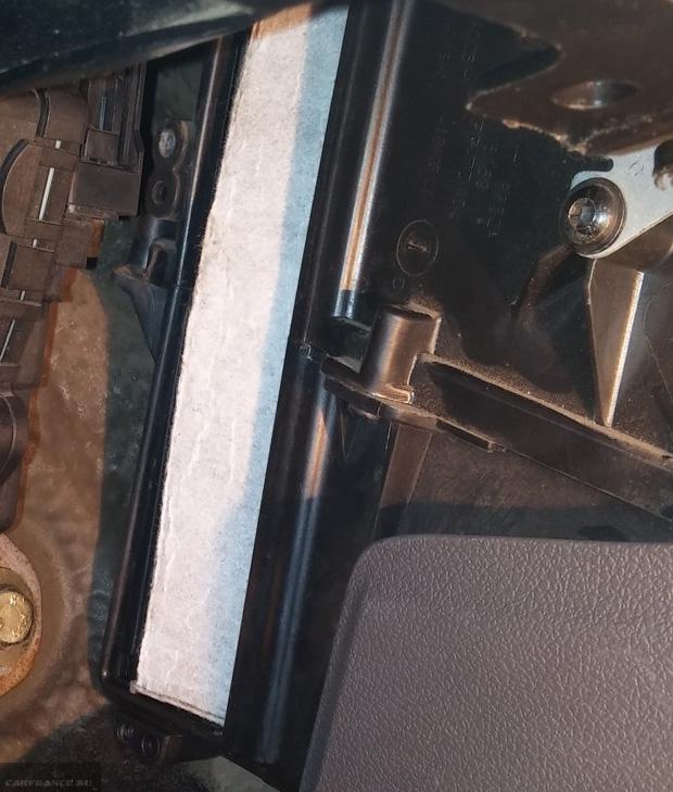 Установка нового салонного фильтра Форд Фокус 2