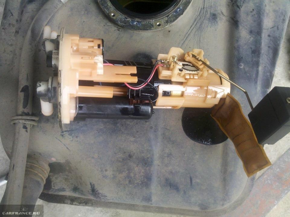Демонтированный топливный модуль Шевроле Круз