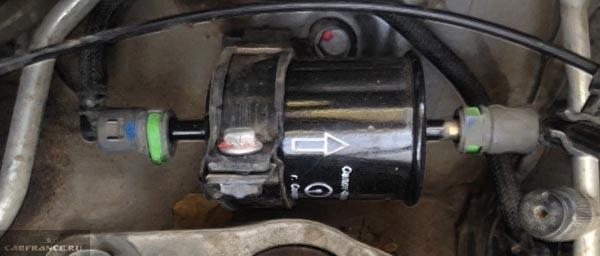 Врезка вазовского топливного фильтра на Рено Дастер