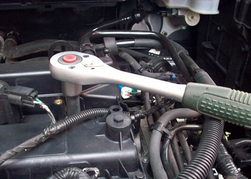Самостоятельная замена свечей Форд Фокус 2 — пошаговая инструкция