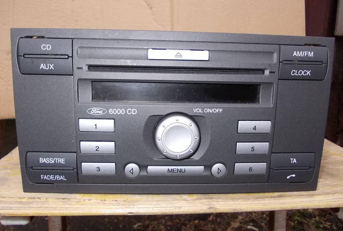 Автомагнитола Sony 6000 CD первого поколения