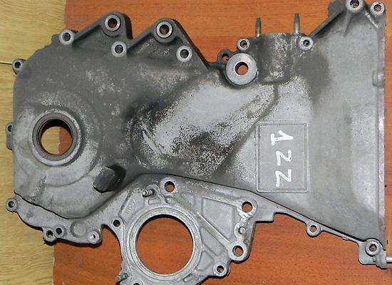 Боковая крышка двигателя