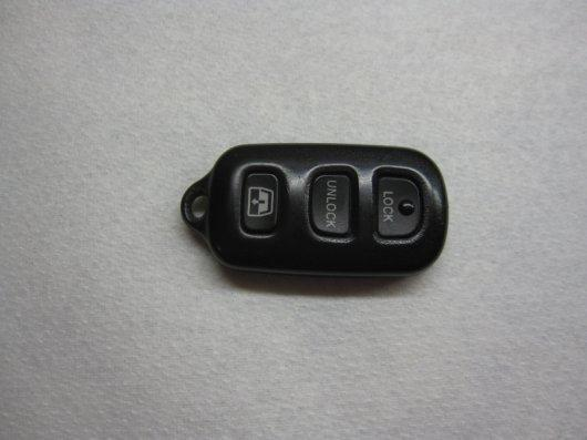 какая батарейка в ключе тойота камри