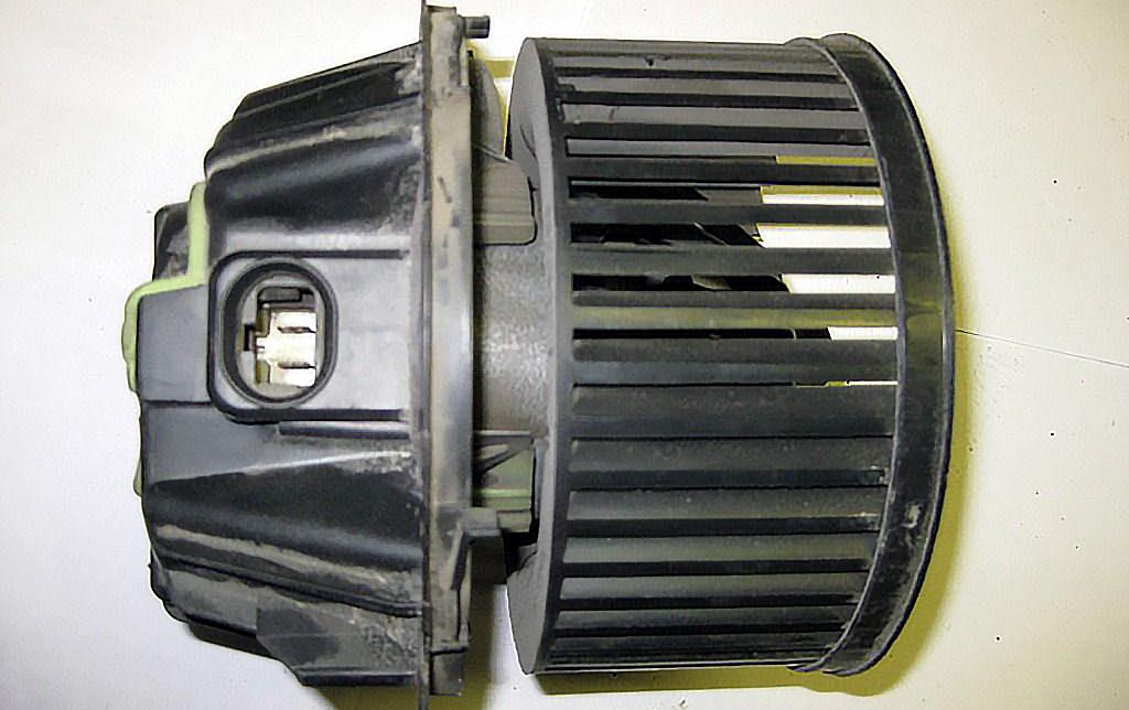 Мотор печки Рено Логан с кондиционером