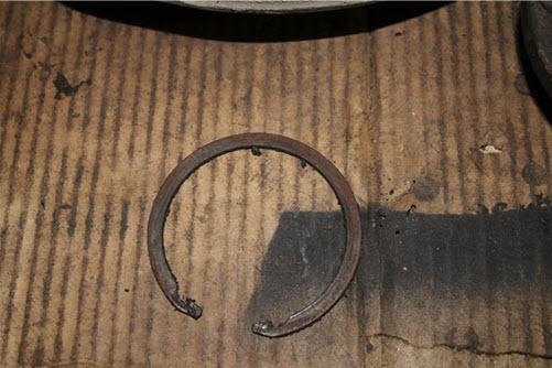 Стопорное кольцо ступицы