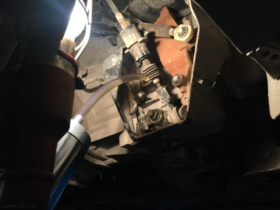 Заливка масла в МКПП автомобиля Форд Фокус 2