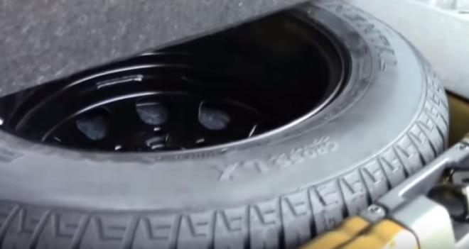 запасное колесо в дастере
