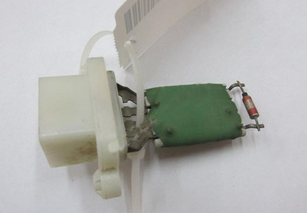 Резистор печки Форд Фокус 2