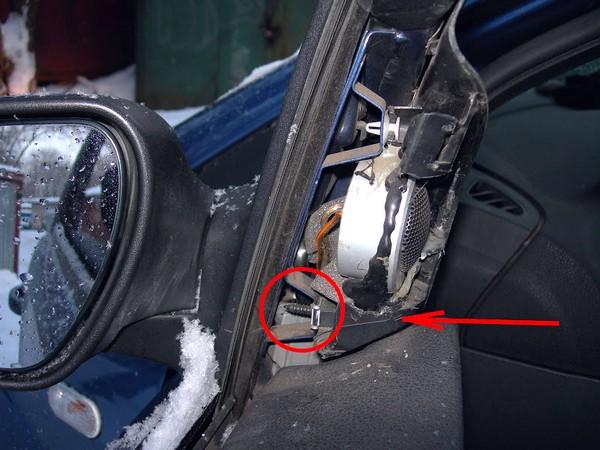 Как снять обшивку передней двери Форд Фокус 2
